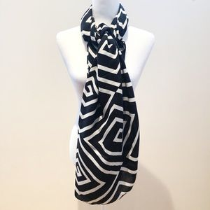 NEW Printed Village BLK/WHT Geometric Stripe Scarf